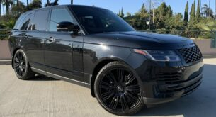 Range Rover HSE front