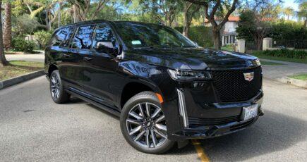 Cadillac Escalade ESV front